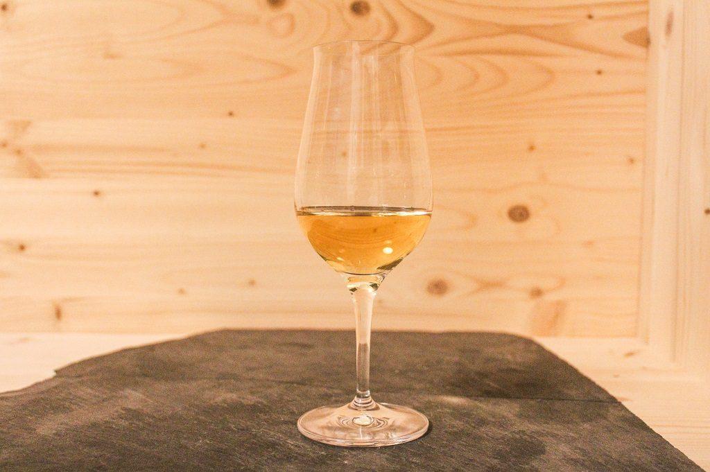 Der Glenmorangie Original erstrahlt in hellem Gold.