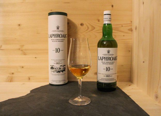 Ein echter Islay Whisky, der Laphroaig 10.