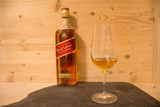 Der Johnnie Walker Red Label, optisch simpel gehalten.