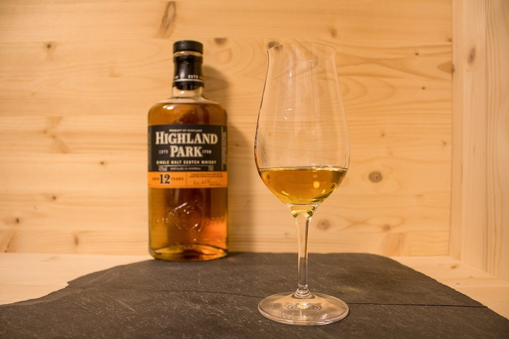 Der Highland Park 12 ist ein solider Whisky.