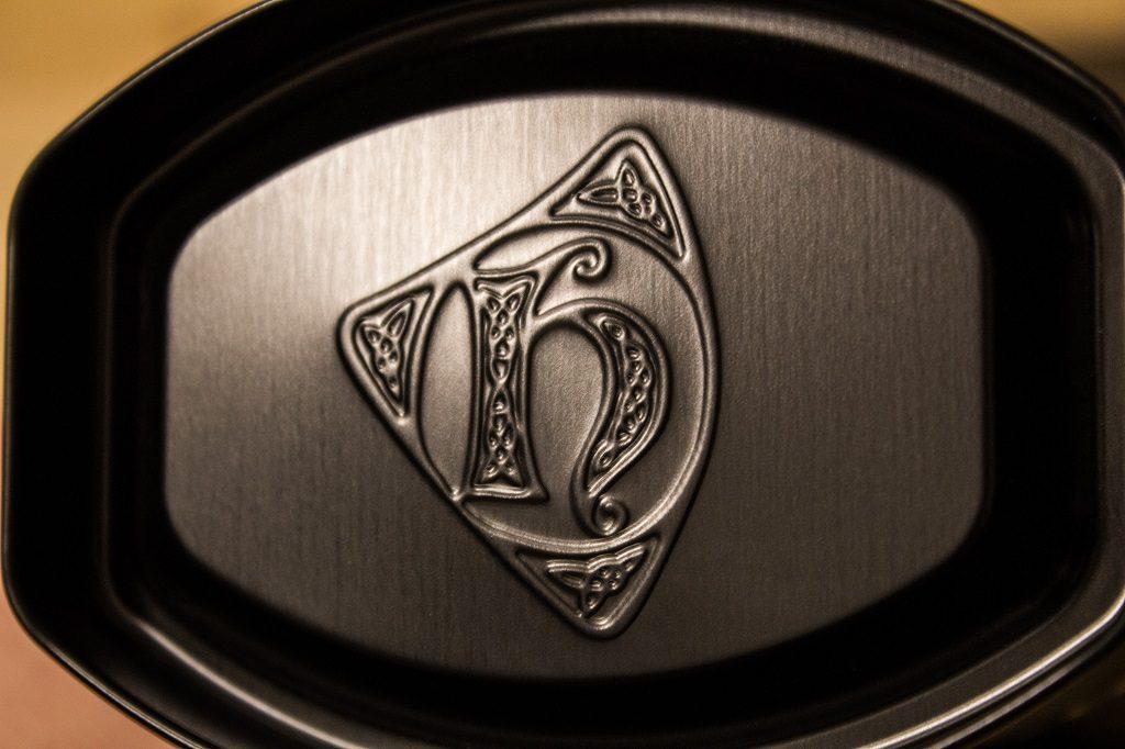 Der Deckel von der Verpackung des Highland Park 12 wurde auch mit dem Logo ausgestattet.