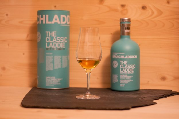 Der Bruichladdich The Classic Laddie, ein Single Malt Scotch von der Insel Islay.