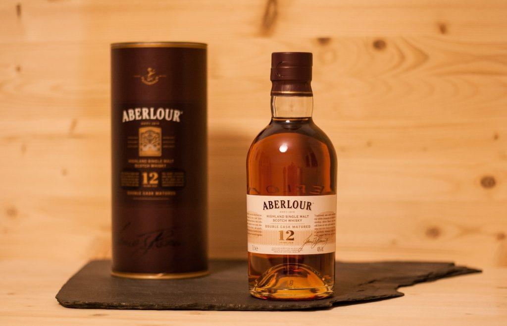 Der Aberlour 12 wirkt sehr reif und einladend.