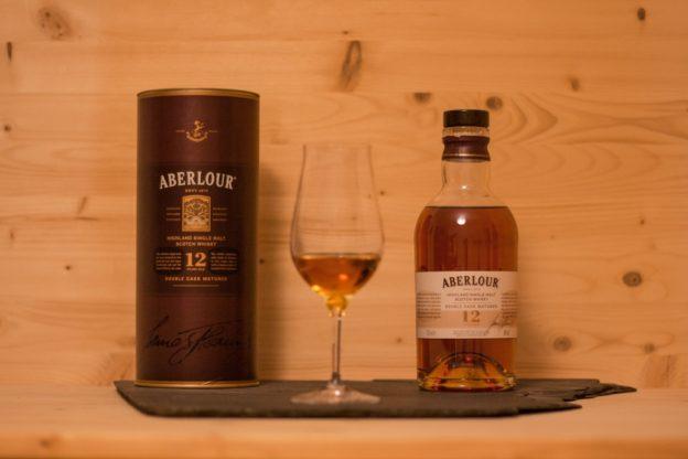 Der Aberlour 12 ist ein sehr interessanter Single Malt Scotch aus der Speyside.