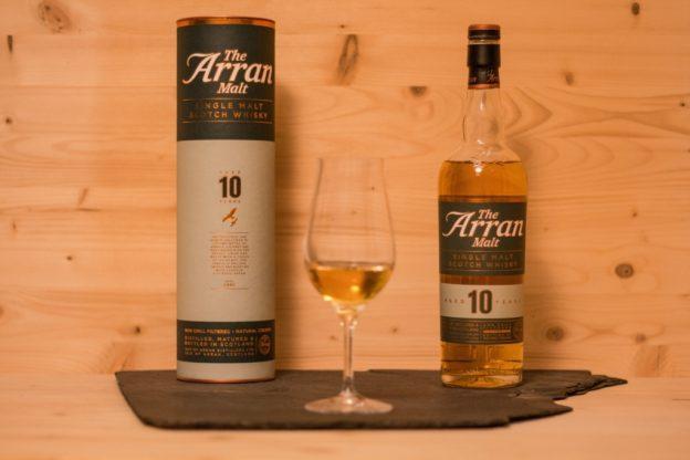 Der Arran 10 ist ein Single Malt Scotch von der Inseln.