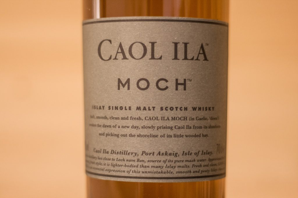 Das dunklere Etikett des Caol Ila Moch.