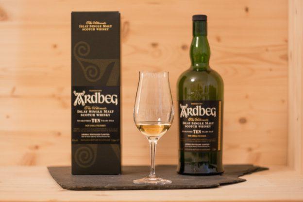 Der Ardbeg Ten ein Single Malt Scotch von der Insel Islay.