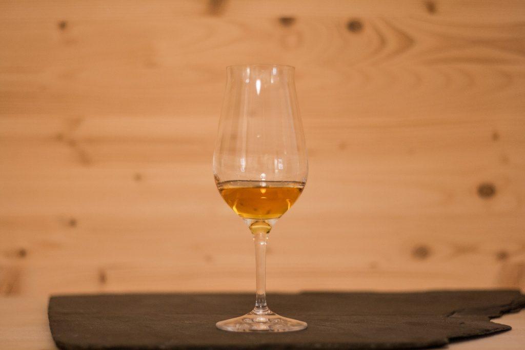 Die schöne Färbung des Jameson in Bernstein ähnlichem Ton.